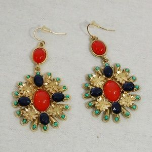 Jewelry - Stunning Hanging Earrings